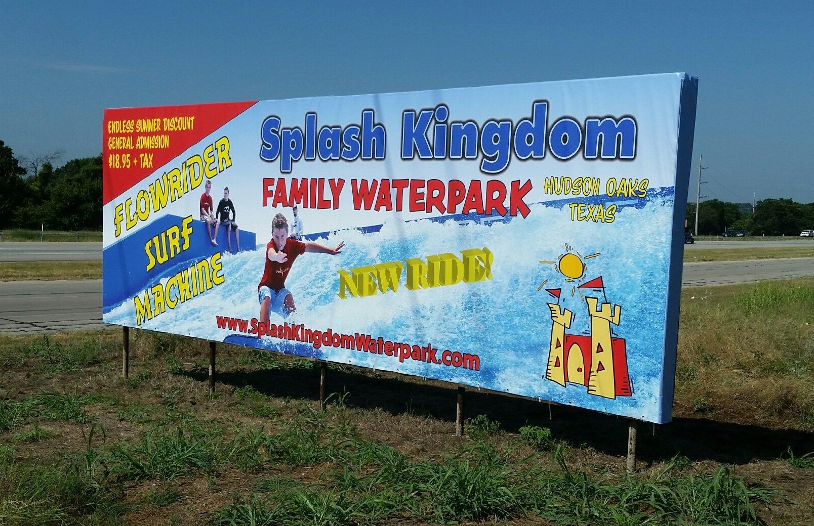 Splash Kingdom Sign